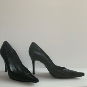 Stuart Weitzman Black Leather pumps size 9